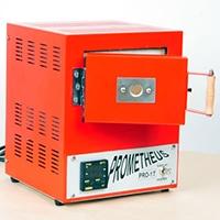 Prometheus Pro-1 Metal clay Brennofen mit halb geöffneter Türe